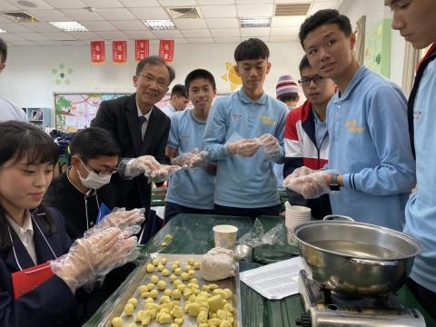 石山高校參訪六和高中 體驗台灣文化及美食小吃